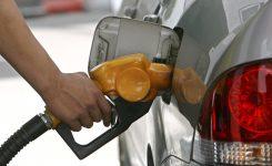 El Gobierno se plantea igualar los impuestos del gasóleo y la gasolina.