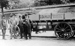 El primer camión de la historia